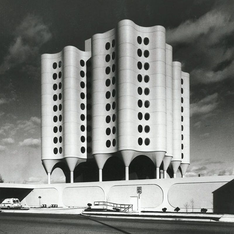 Designtel - St. Joseph's Hospital, Bertrand Goldberg